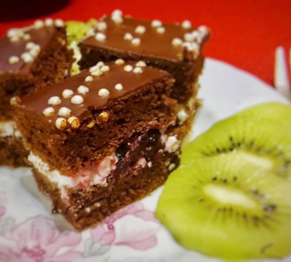 Túró Rudi szelet quinoa-val és erdei gyümölccsel