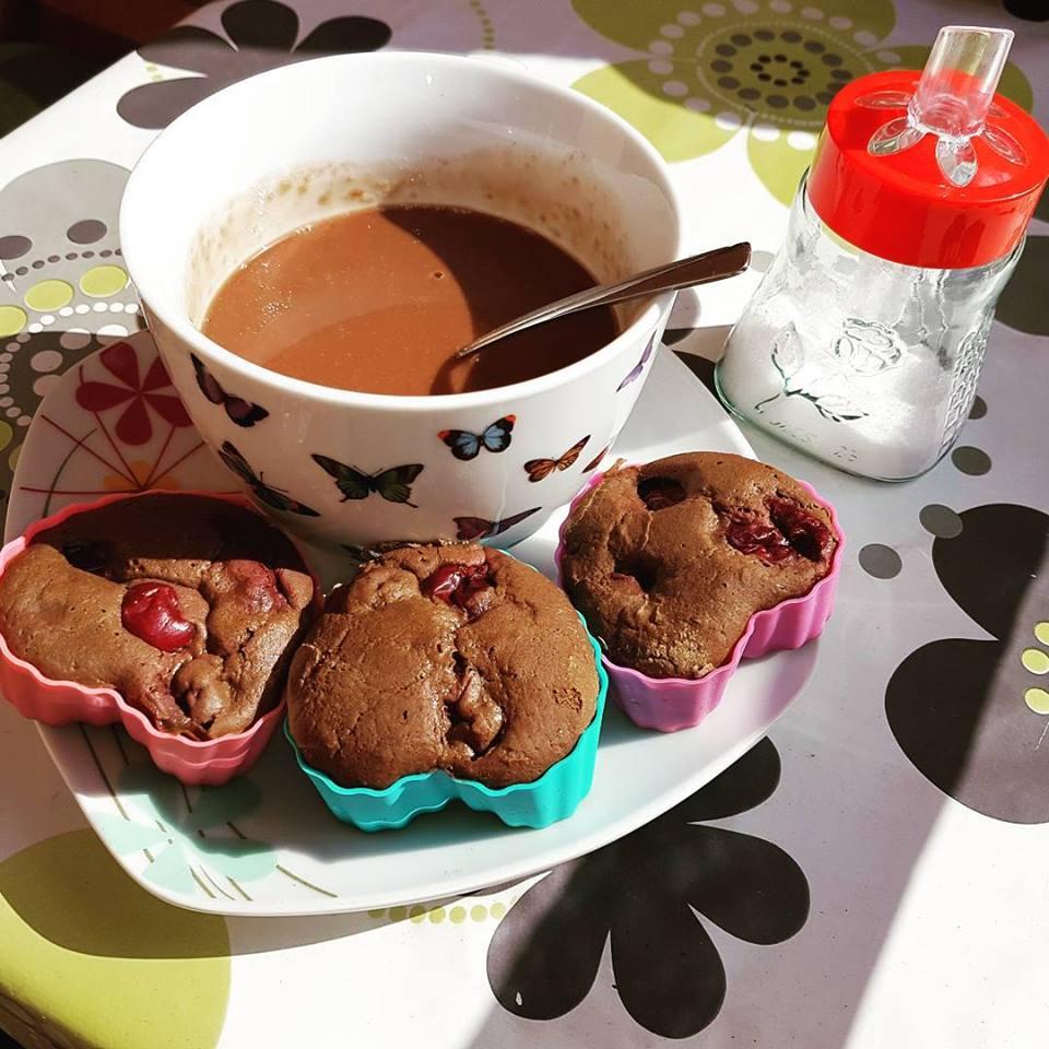 Szafi Free forrócsoki Szafi Free karobos muffinnal