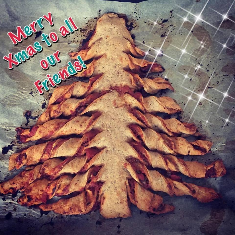 Szafi Free pizzás karácsony fa
