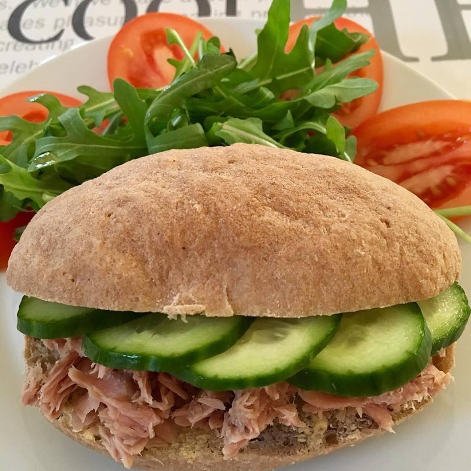 Szafi Free világos puha lisztkeverékből készült tonhalas szendvics