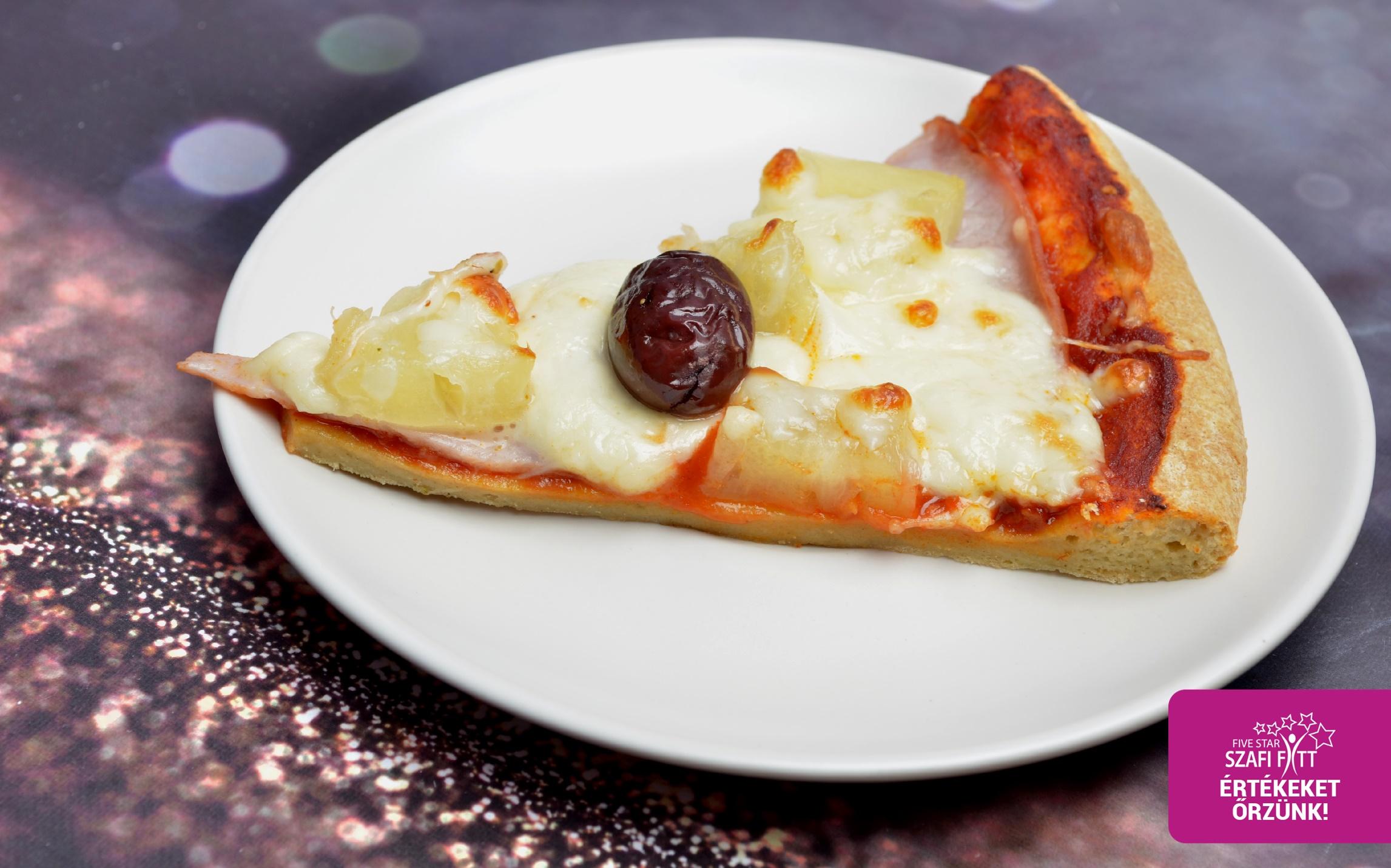 Szénhidrát-csökkentett hawaii pizza szelet (feltét: pizzaszósz, sonka, ananász, sajt.